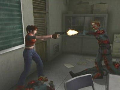 Claire disparando un zombie
