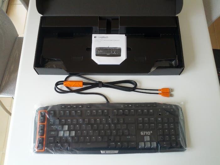 Caja Logitech G710+
