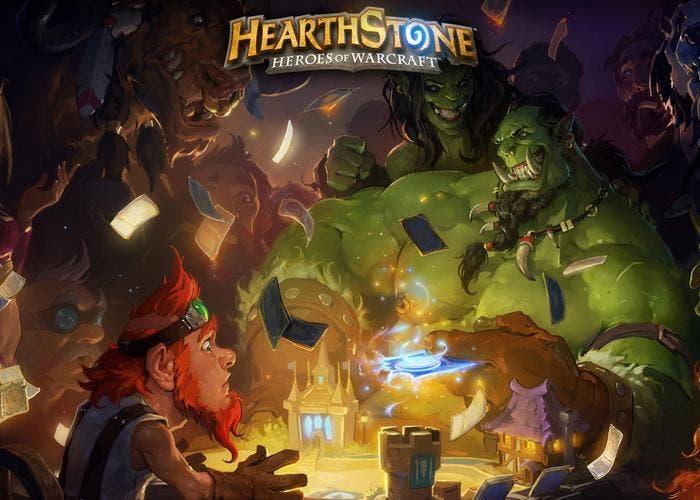 Jugando a Hearthstone